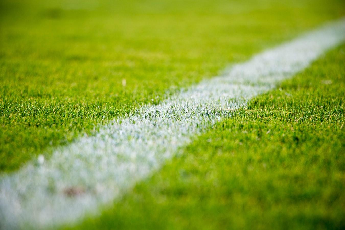 Taruhan Bola dan Beberapa Alasan Mencobanya